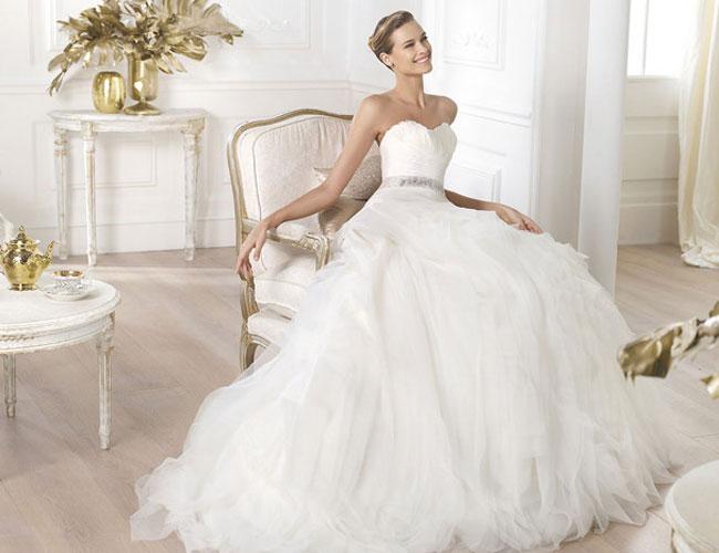 váy cưới theo dáng người