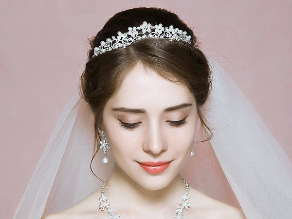 vương miện cô dâu
