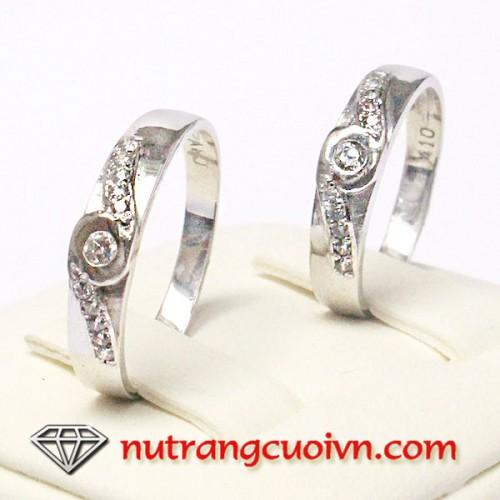 Nhẫn cưới vàng trắng QNC38