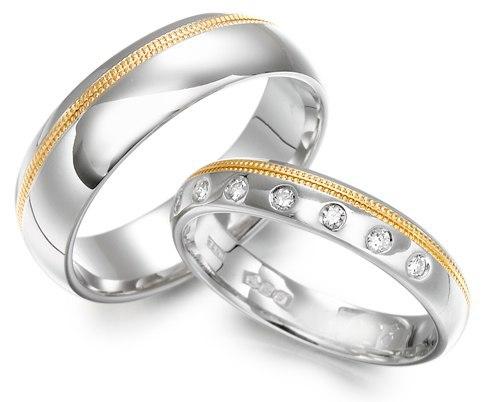 Nhẫn cưới có hột