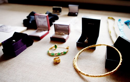 Cách làm sạch trang sức vàng