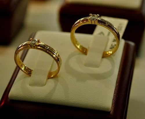 Nhẫn cưới cho bàn tay gầy