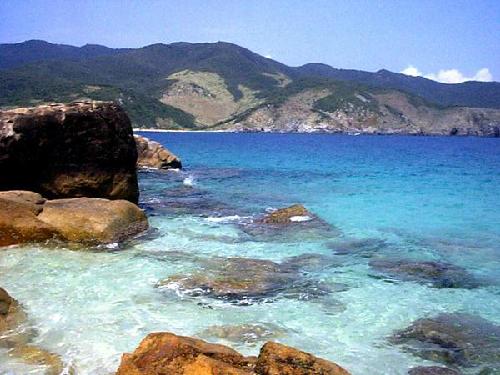 Phú Quốc hấp dẫn bởi biển xanh cát trắng