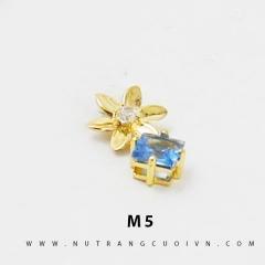 Mặt dây chuyền M5