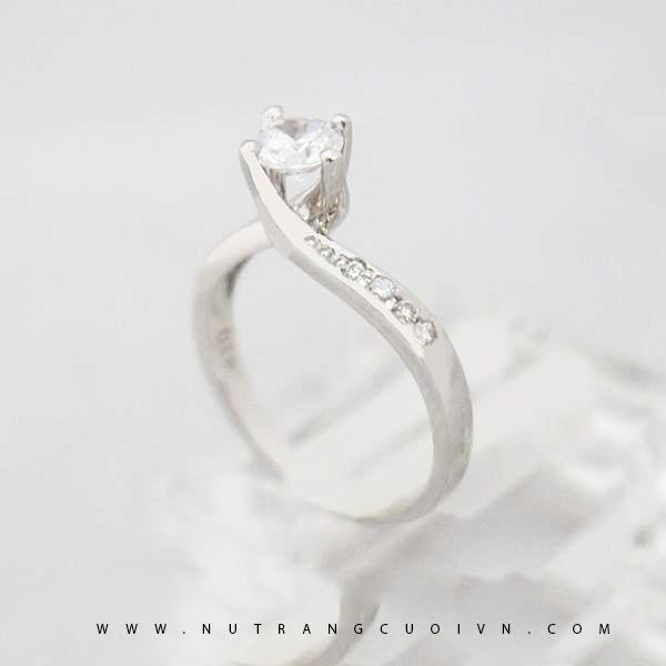 Nhẫn đính hôn NLF51