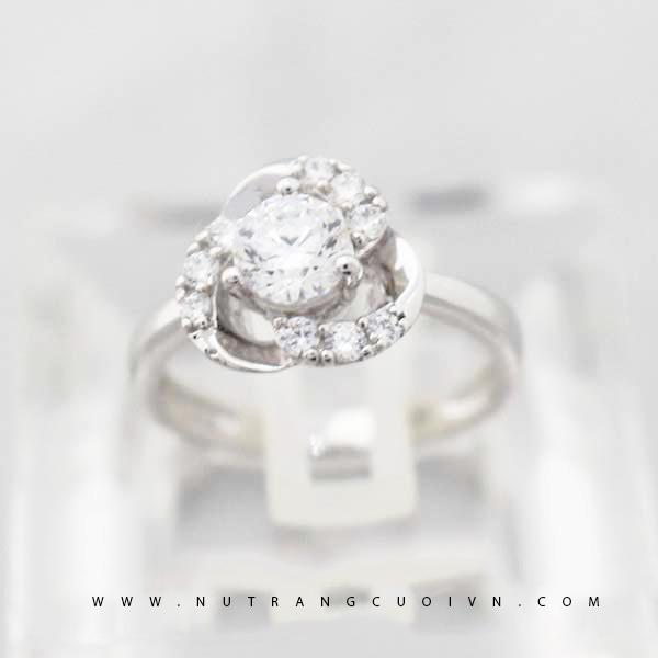 Nhẫn đính hôn PDH44