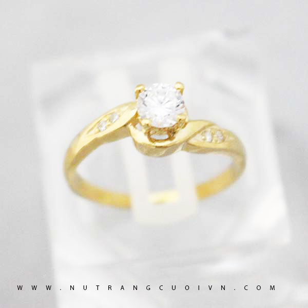 Engagement ring NLF59