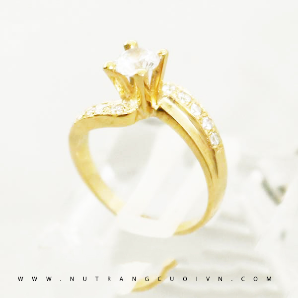 Engagement ring NLF61