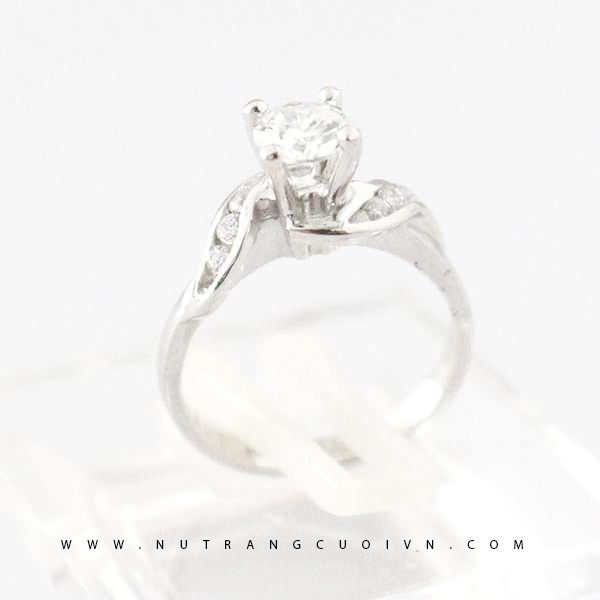 Engagement ring NLF46