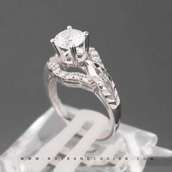 Nhẫn đính hôn PDH49