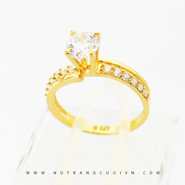 Nhẫn đính hôn N811