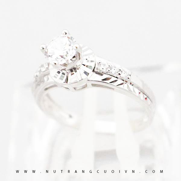 Nhẫn đính hôn PDH82