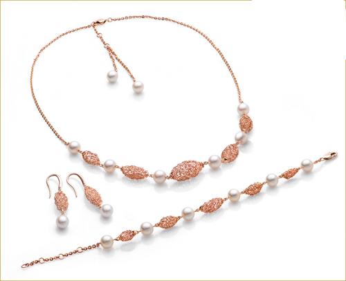Nhẫn và trang sức vàng hồng đẹp