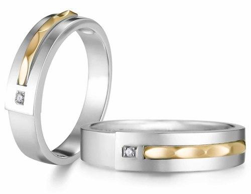 Để bảo quản nhẫn cưới luôn sạch và đẹp