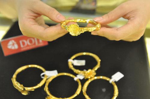 Giá vàng có chuỗi tăng dài nhất 7 tháng