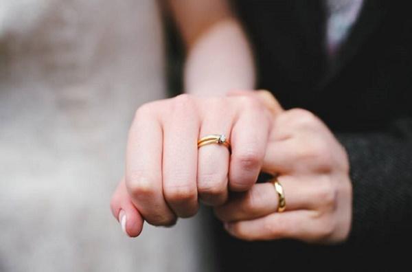 Đeo nhẫn cưới có còn quan trọng