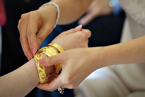 Chọn nữ trang làm của hồi môn ngày cưới