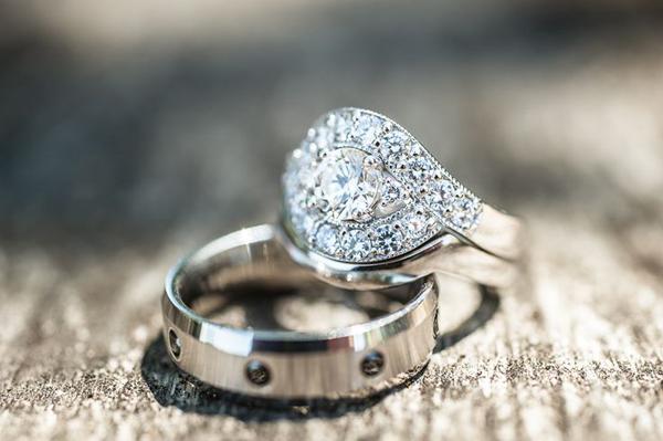 Chọn nhẫn cưới hợp cung mệnh của cô dâu chú rể