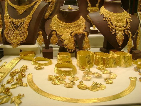 Giá vàng tăng 1% so với tuần trước