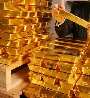 Giá vàng tăng nhẹ khi chứng khoán Mỹ lao dốc