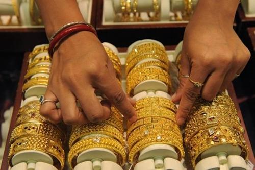 Giá vàng tăng nhẹ chờ FED họp chính sách