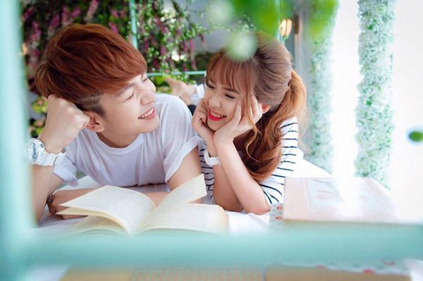 Những cặp đôi 'Chị ơi, anh yêu em' nổi tiếng nhất showbiz Việt