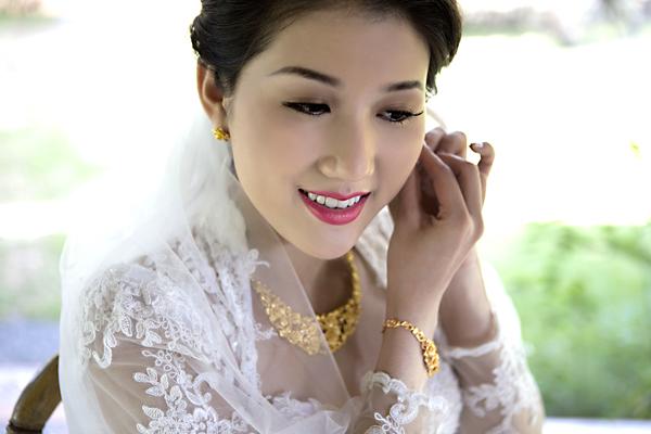 Chọn mua nhẫn cưới và trang sức cưới