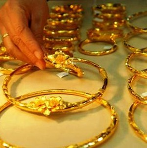 Giá vàng giảm nhẹ tại châu Á