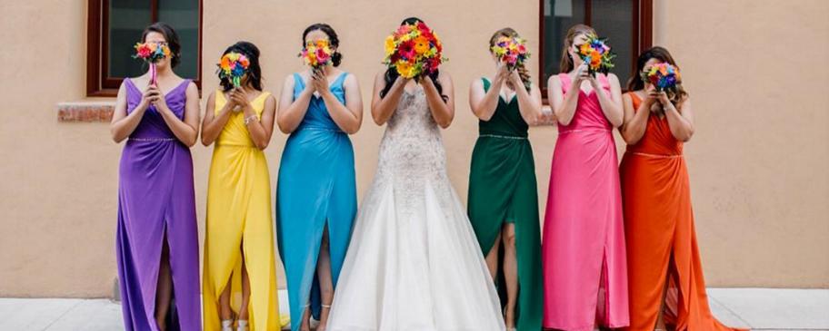 Đa dạng sắc màu váy phù dâu cho ngày cưới