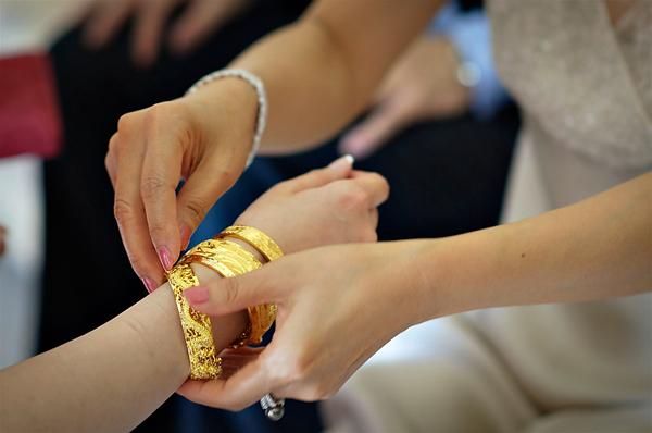 Những mẫu lắc tay nữ bằng vàng đẹp nhất
