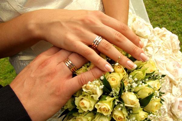 Các bộ nhẫn cưới và nhẫn đính hôn phong cách Châu Âu tuyệt đẹp