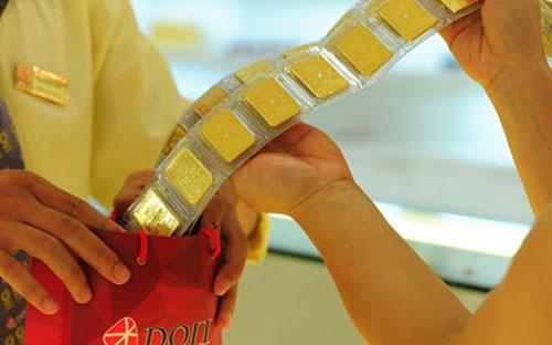 Giá vàng tăng mạnh nhất 5 tháng