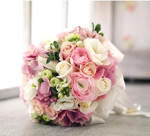 Hoa cầm tay trang sức .... trường tồn với thời gian
