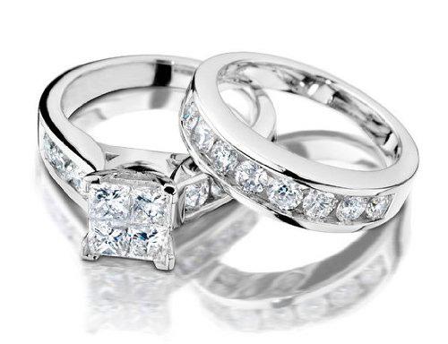 Nhẫn cầu hôn và nhẫn cưới: Điều bạn chưa biết