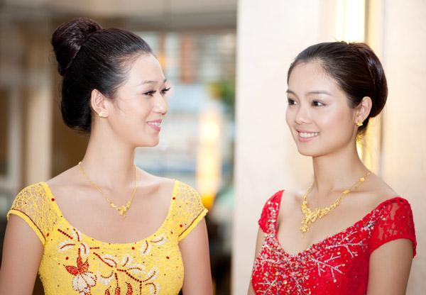 Mẹo hay để đeo trang sức vàng đẹp hơn trong ngày Tết