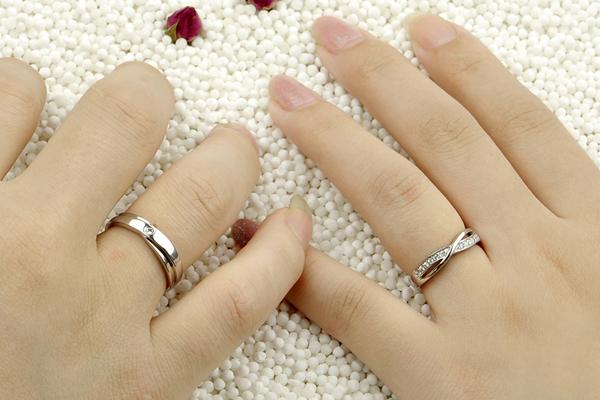 Để mua được đôi nhẫn cưới hoàn hảo